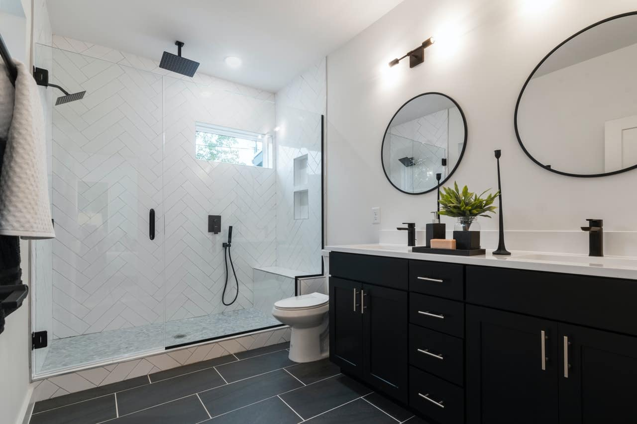 Matte black ceiling shower in a bathroom